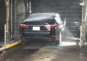 Aktywna piana i gąbki do mycia, czyli jak skutecznie umyć swoje auto